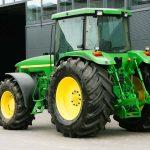 Колёсный трактор John Deere 8400