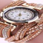 Распродажа! Женские часы браслет со стразами