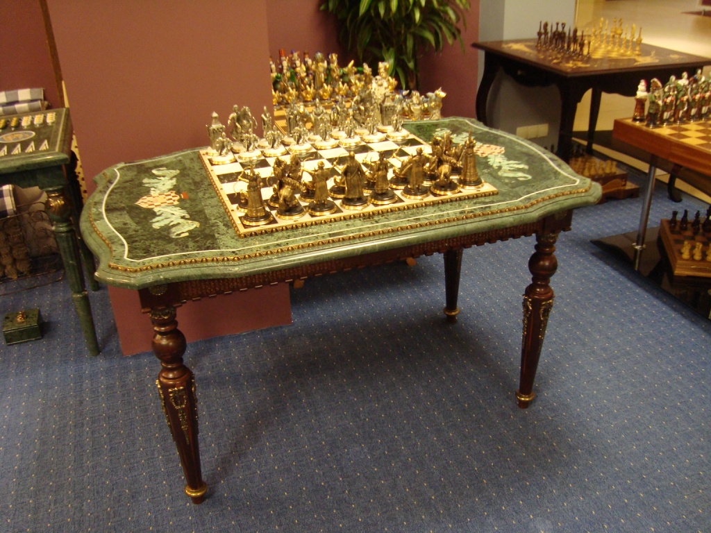 Эксклюзивные  игры - шахматы,  шашки и нарды